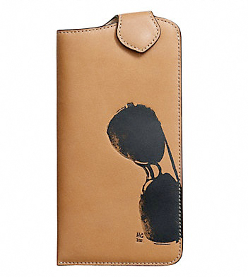 Hugo-guinness-for-coach-sunglass-case